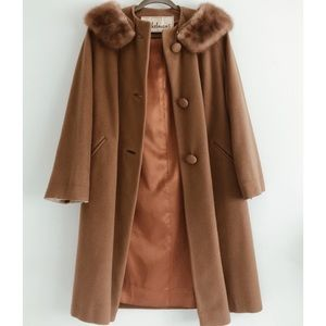 Vintage Camel Coat w/Fur Collar